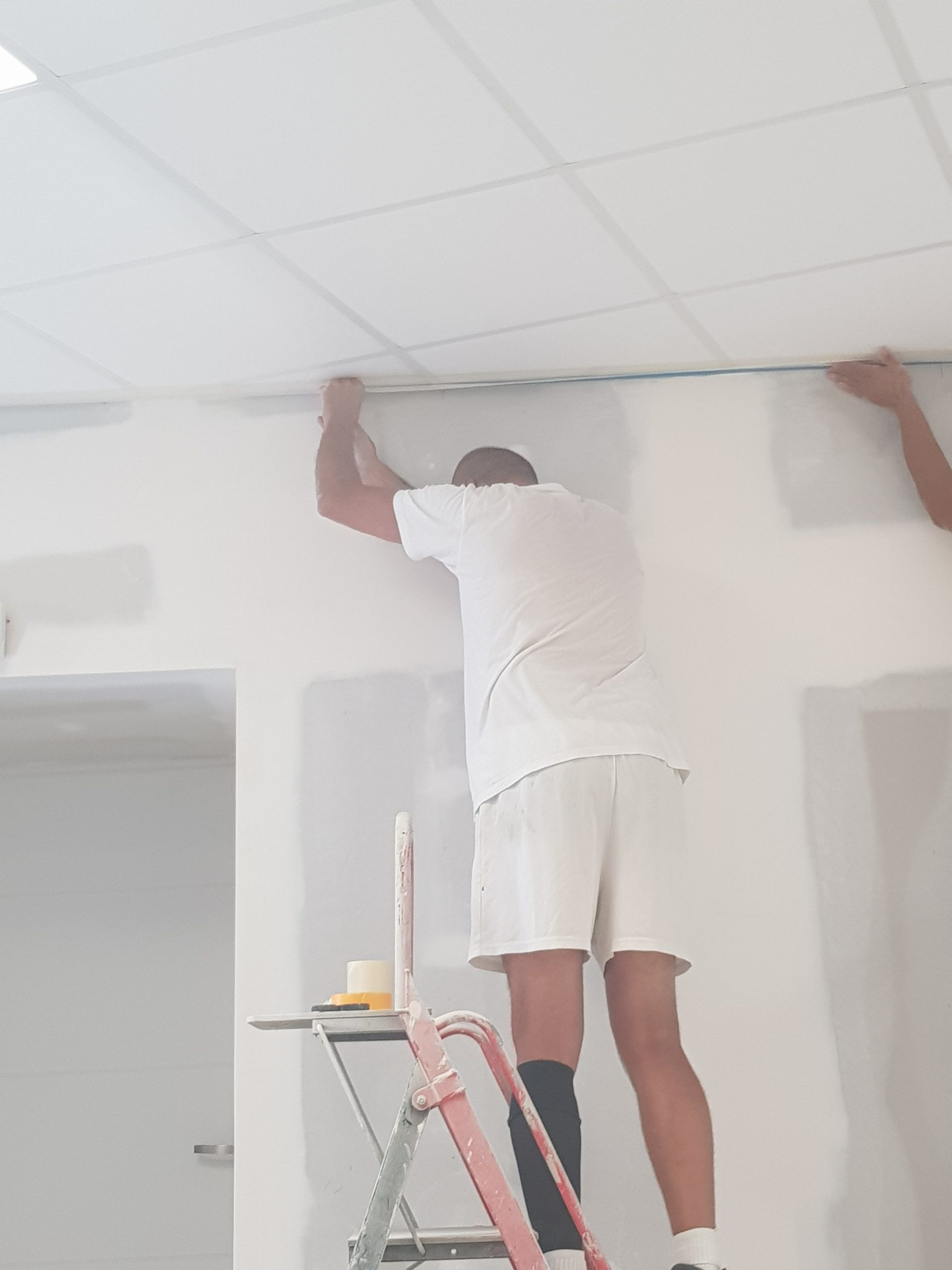 protection du plafond avant peinture